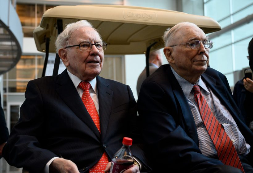 berkshires-annual-meeting-is-saturday-with-buffett-and-munger-together-again