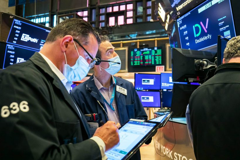 stock-futures-are-flat-after-sell-off-in-growth-and-tech