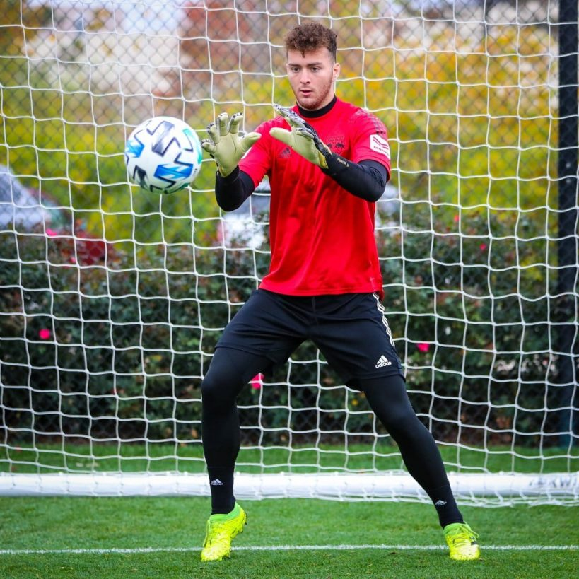 palestinians-pull-knives-on-pro-soccer-goalie-luca-lewis-demand-to-know-if-hes-jewish