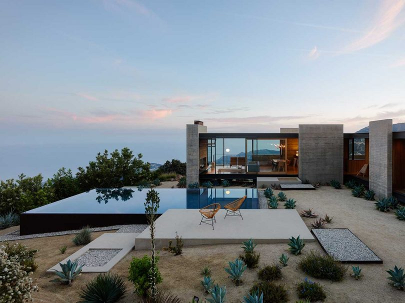 saddle-peak-house-in-the-santa-monica-mountains-overlooking-the-pacific