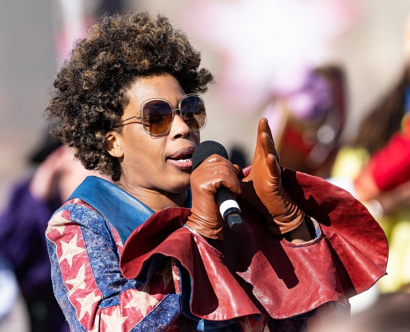 macy-gray-calls-for-american-flag-to-be-redesigned-in-op-ed