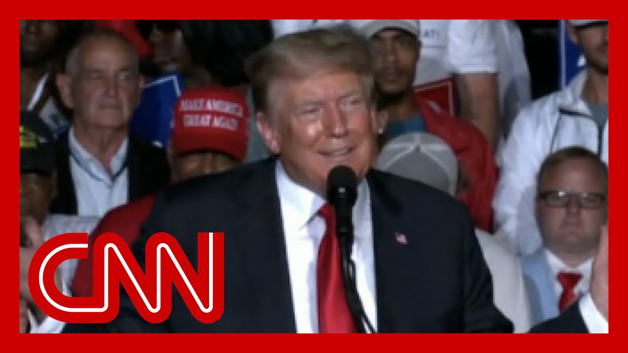 crowd-boos-trump-for-vaccine-stance-at-alabama-rally